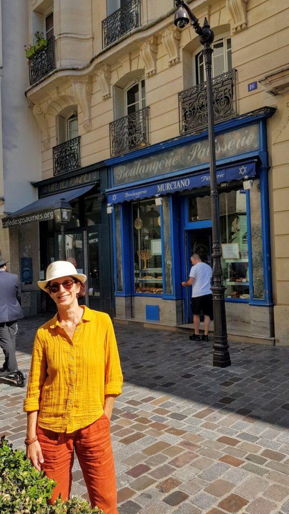 Livia : jewish tour guide in Paris