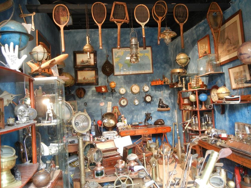 Flea market tour Paris