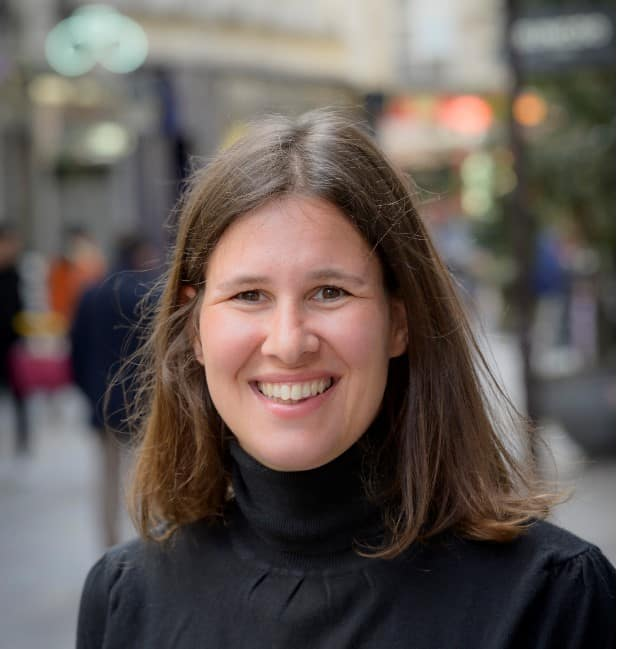 Flora Goldenberg Can help you with Shabbat preparation in Paris