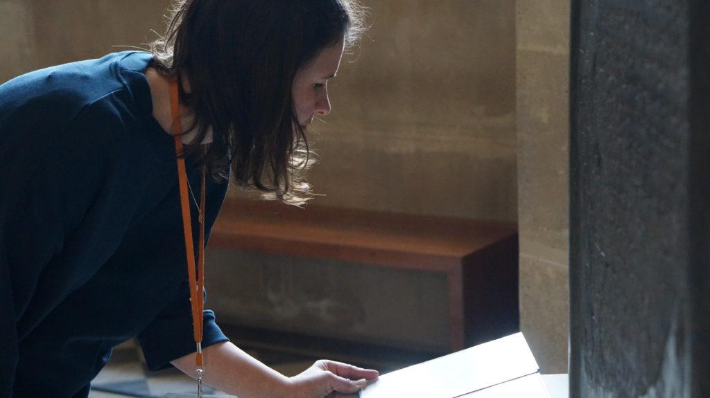 Flora Golenberg Jewish guided tour Louvre Tour in Paris
