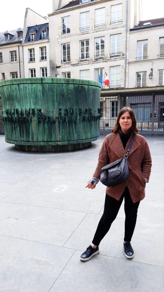 Flora Tour Guide Paris - Shoah Memorial Inside