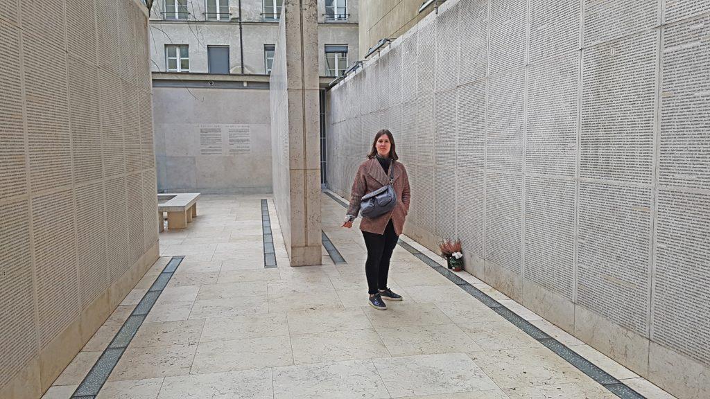 Flora Tour Guide Paris - Shoah Memorial Paris Tour