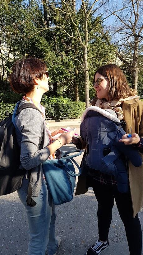 Flora Tour Guide in Paris with Livia