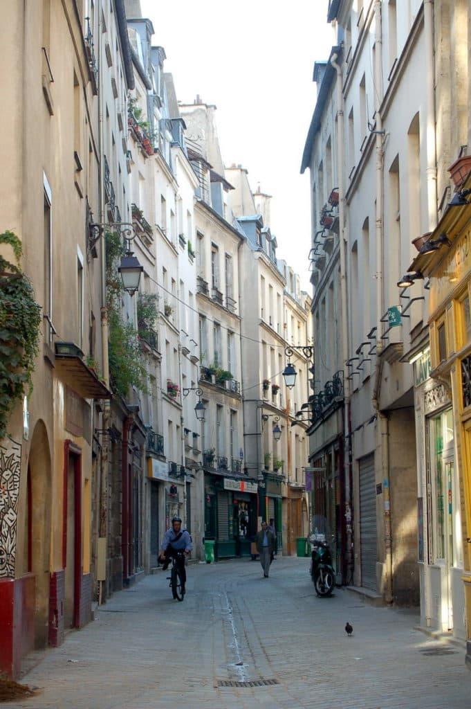 Rue des rosiers jewish quarter paris